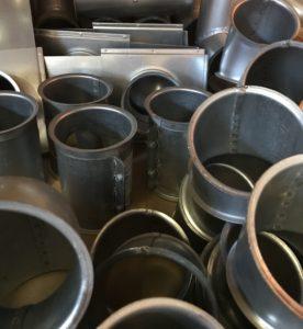 Utvalg av galvaniserte rørdeler fra SEB Produkter
